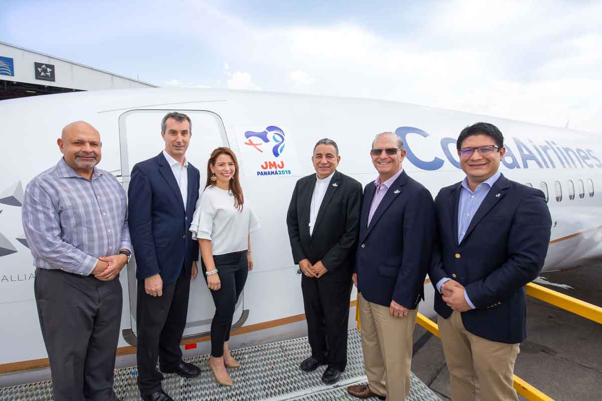 Copa Airlines and the World Youth Day organizing committee unveil an airplane with a logo commemorating the WYD religious event