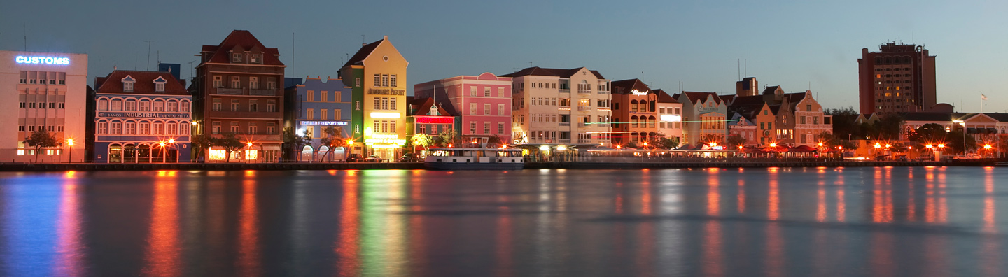 Nightime at Willemstad Curacao