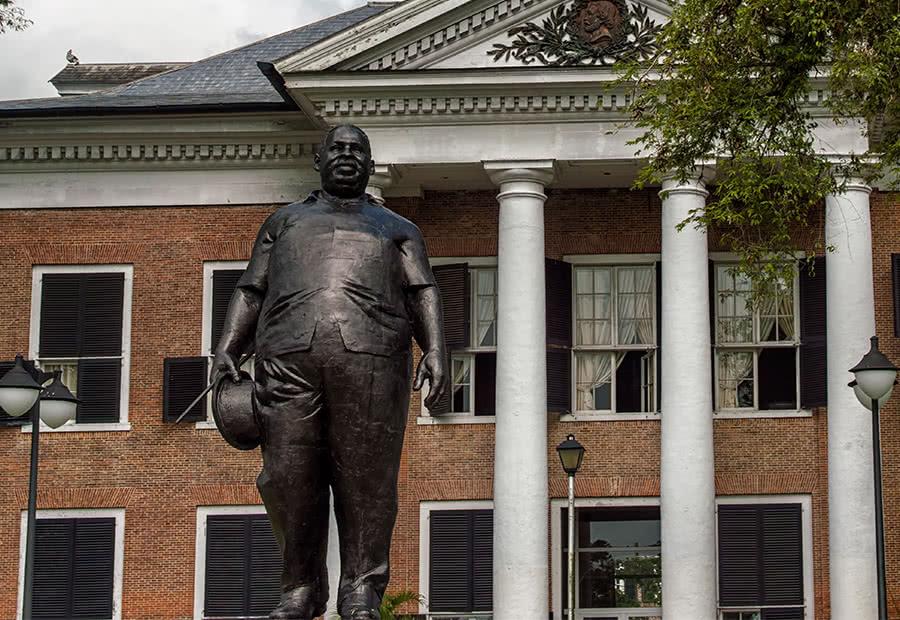 Statue de Johan Adolf Pengel