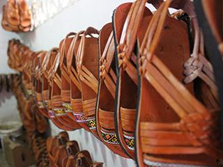 Cutarras calzado artesanal de Panamá