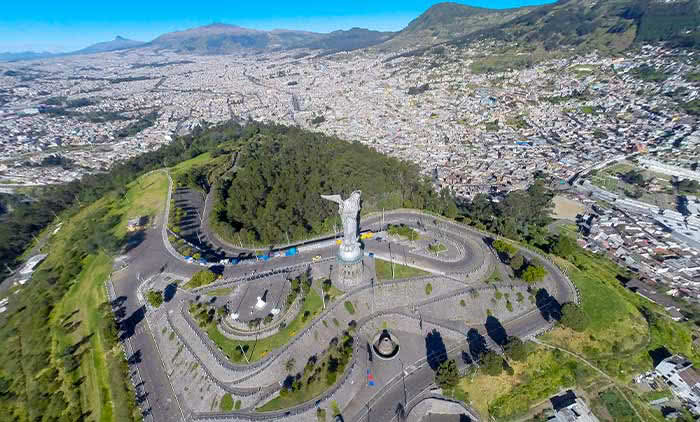El Panecillo Hill